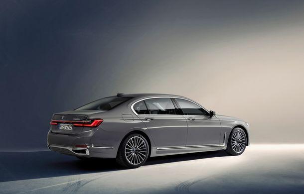 BMW Seria 7 facelift, imagini și detalii oficiale: design revizuit, asistent personal inteligent și motoare îmbunătățite - Poza 21