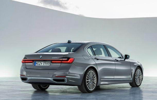 BMW Seria 7 facelift, imagini și detalii oficiale: design revizuit, asistent personal inteligent și motoare îmbunătățite - Poza 24