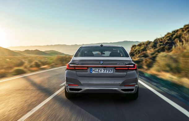 BMW Seria 7 facelift, imagini și detalii oficiale: design revizuit, asistent personal inteligent și motoare îmbunătățite - Poza 30