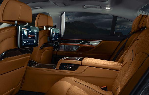 BMW Seria 7 facelift, imagini și detalii oficiale: design revizuit, asistent personal inteligent și motoare îmbunătățite - Poza 52