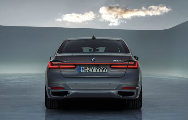 BMW Seria 7 facelift, imagini și detalii oficiale: design revizuit, asistent personal inteligent și motoare îmbunătățite - Poza 31