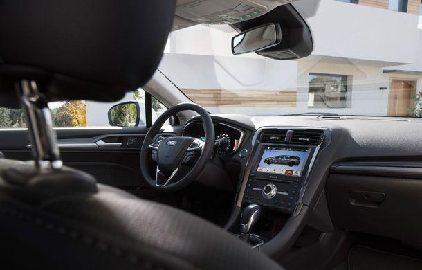 Ford Mondeo facelift, poze și informații oficiale: modificări minore la nivel estetic, motorizări îmbunățățite și versiune hibrid pe varianta break - Poza 8