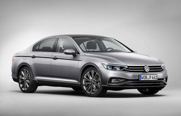 Volkswagen Passat facelift: modificări minore de design și tehnologii moderne de asistență - Poza 1