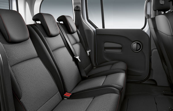 Îmbunătățiri pentru Mercedes-Benz Citan Tourer: utilitara de persoane primește un motor nou de la Renault și un pachet estetic sportiv - Poza 3