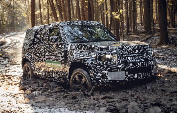 """Noua generație Land Rover Defender: prima imagine cu interiorul, """"scăpată"""" pe internet - Poza 1"""