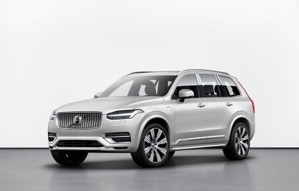 Îmbunătățiri în gama Volvo: plug-in hybrid pentru XC40 și motoare noi cu tehnologie mild hybrid - Poza 2