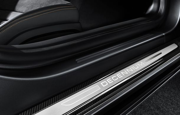 Audi a lansat ediția specială R8 V10 Decennium: 222 de exemplare și preț de 222.000 euro - Poza 2
