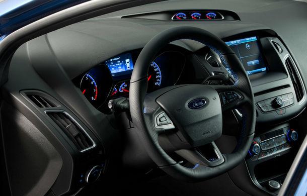 Noul Ford Focus RS s-a lansat în România: 37.000 de euro cu TVA pentru cel mai scump, puternic și rapid Focus din istorie - Poza 2