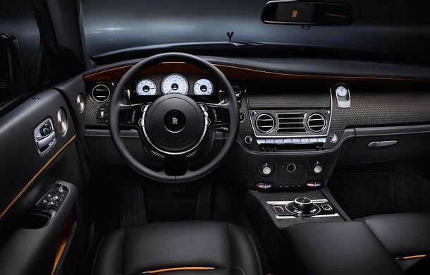 Zorile s-au întunecat: Rolls-Royce Dawn primește tratamentul Black Badge - Poza 2