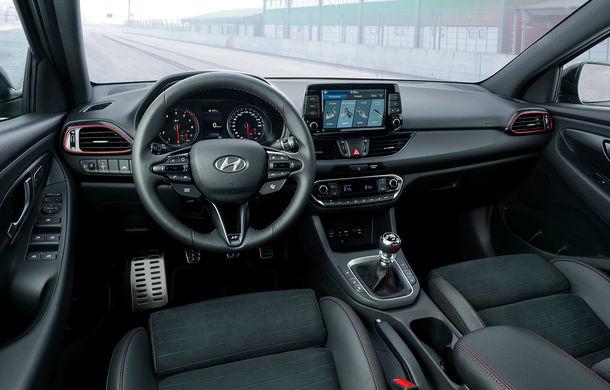 """Hyundai i30 Fastback s-a lansat și în România: """"coupe-ul"""" cu cinci portiere pleacă de la 20.600 de euro cu TVA - Poza 2"""