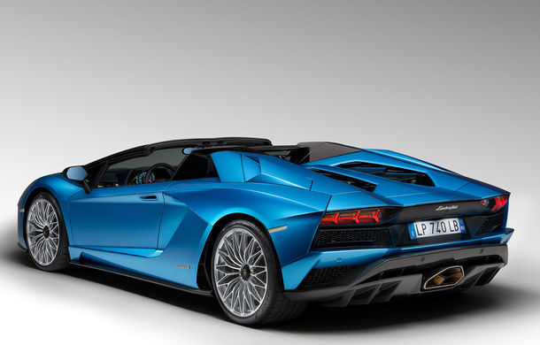 Lamborghini prezintă noul Aventador S Roadster: 740 CP și 3.0 secunde pentru 0-100 km/h (UPDATE FOTO) - Poza 12