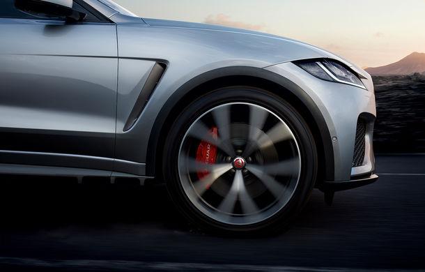 Jaguar F-Pace SVR: SUV-ul de performanță are un V8 de 5.0 litri cu 550 de cai putere - Poza 2