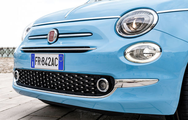 La dolce vita: Fiat celebrează 60 de ani de la apariția lui 500 Jolly cu ediția specială Spiaggina 58 - Poza 2