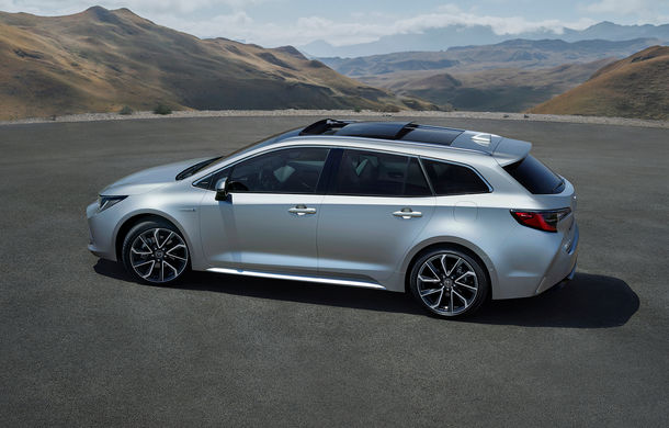Noua generație Toyota Corolla este disponibilă și în România: sedanul pornește de la 17.750 de euro, iar hatchback-ul de la 18.300 de euro - Poza 11