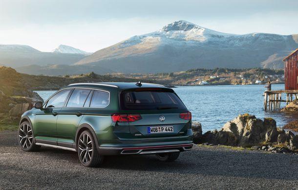 Volkswagen Passat facelift: modificări minore de design și tehnologii moderne de asistență - Poza 2