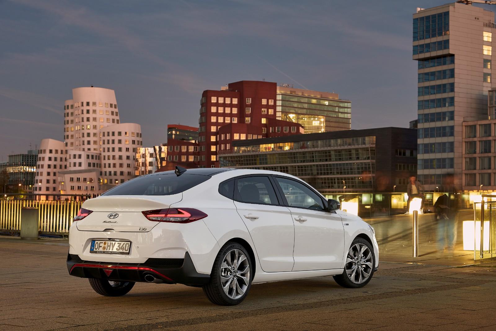 2017 - [Hyundai] i30 Fastback - Page 3 251922l