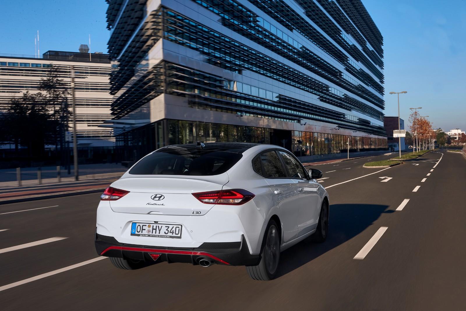 2017 - [Hyundai] i30 Fastback - Page 3 430542l