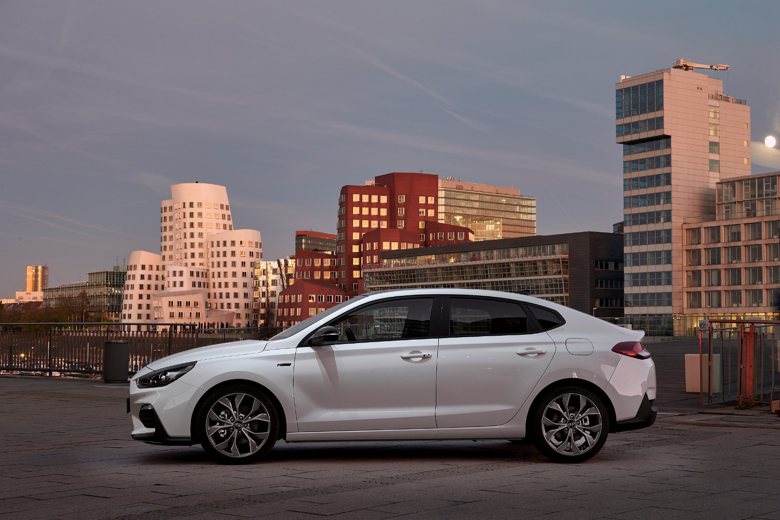 2017 - [Hyundai] i30 Fastback - Page 3 844721l