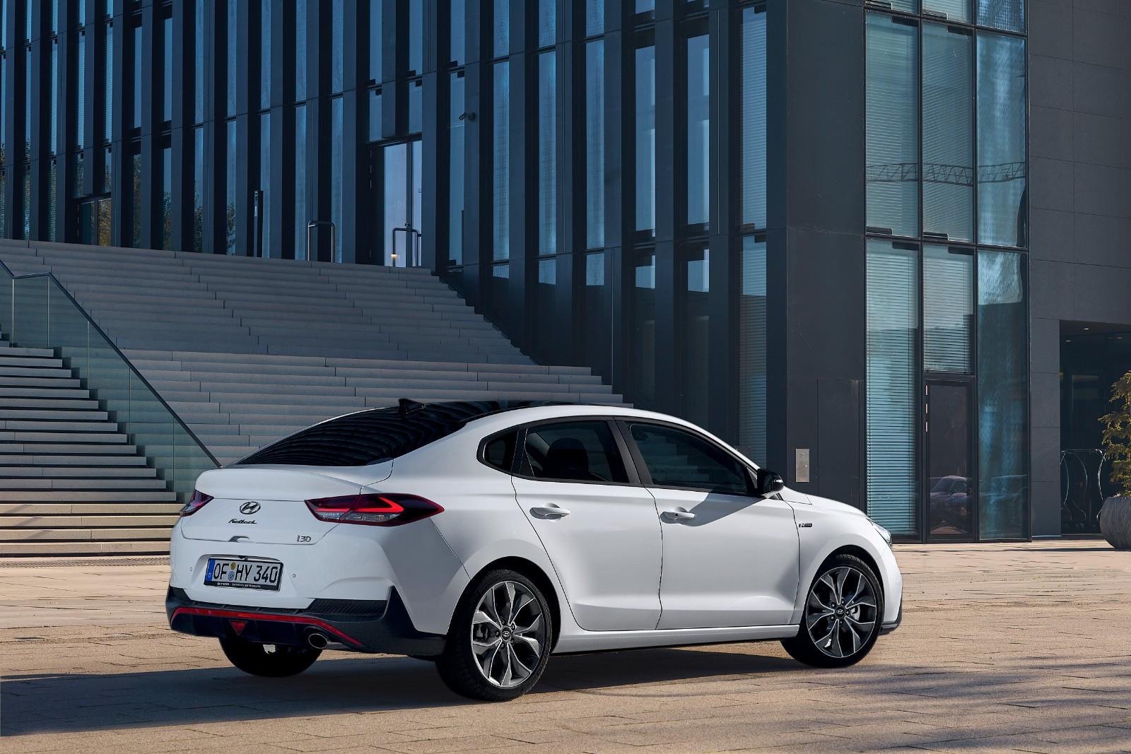 2017 - [Hyundai] i30 Fastback - Page 3 934267l