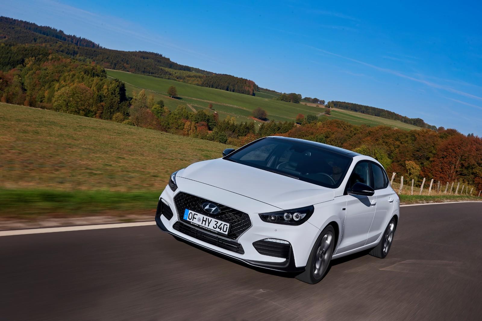 2017 - [Hyundai] i30 Fastback - Page 3 955610l