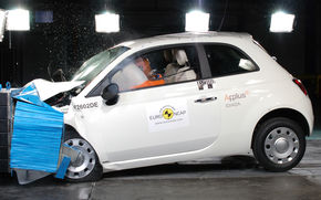 EuroNCAP: Fiat 500 - 5 stele. Renault Twingo - 4 stele
