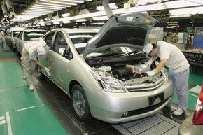 Toyota reduce costurile noii generatii Prius