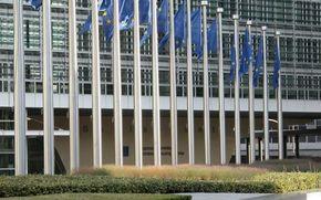 UE vrea concurenta in domeniul asigurarilor auto