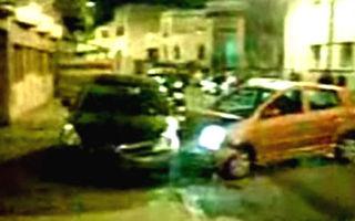 VIDEO: O femeie distruge masina sotului cu o Kia