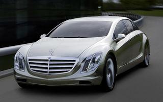 Mercedes lucreaza la un hibrid electric de serie
