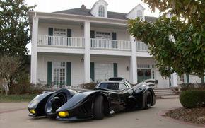 Masina lui Batman, scoasa la licitatie pe eBay