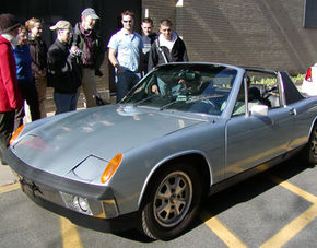 Un Porsche clasic, convertit pe propulsie electrica