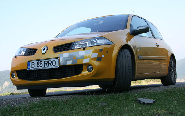 Test drive Renault Megane 3 usi F1 Team (2004)