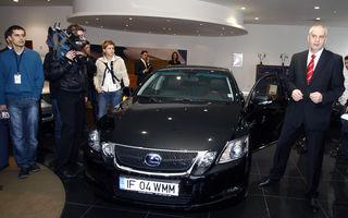 Ministrul Mediului a primit un Lexus GS 450h din partea Lexus Romania