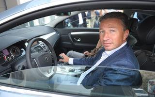 Dan Petrescu este imaginea Renault Laguna Coupe