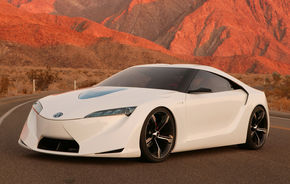 Toyota va schimba 40% din conducere