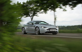 Aston Martin a angajat un fost director de la Tesla