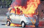 Un Tata Nano a luat foc in India