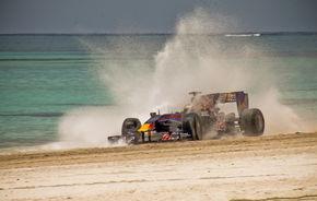 VIDEO: Demonstraţie pe plajă cu un monopost Red Bull de Formula 1