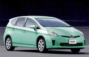 Toyota va lansa în 2011 un Prius cu şapte locuri, botezat Alpha
