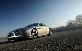 VIDEO: Reclamă la Aston Martin V12 Vantage în SUA
