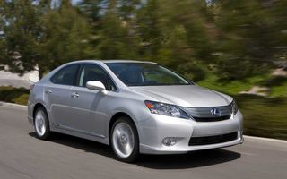 Toyota cheamă în service 17.000 de unităţi Lexus HS 250h