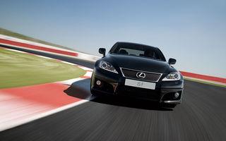 Lexus IS primeşte un facelift minor la Paris