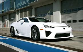 Lexus LF-A primeşte centuri de siguranţă cu airbag-uri