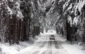 A VENIT IARNA! Toată ţara e sub zăpadă
