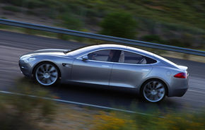 Tesla a primit 3000 de rezervări pentru electricul Model S