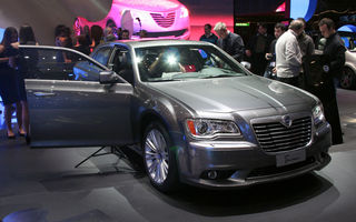 GENEVA LIVE: Ploaie de maşini americane la standul Lancia