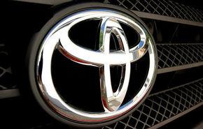 Toyota a oprit temporar producţia în toate fabricile din Japonia