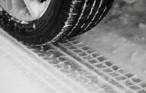 OFICIAL: Amendă de minim 2500 de lei dacă nu ai pneuri de iarnă între 1 noiembrie şi 1 martie!
