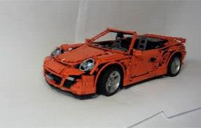 VIDEO: O copie incredibilă a actualului Porsche 911 Cabrio, creată din Lego