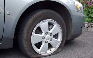 Goodyear lucrează la pneul care se umflă singur în caz de pană